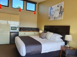 Sanctuary Hill Retreat - Tweed Heads Accommodation