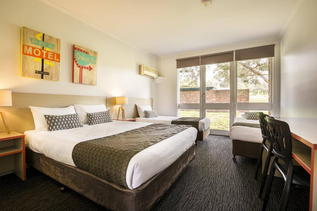 Burvale Hotel - Tweed Heads Accommodation