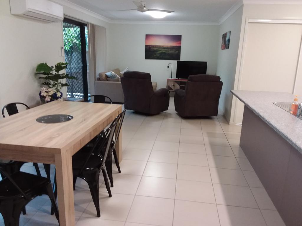 Waratah and Wattle Apartments - Tweed Heads Accommodation
