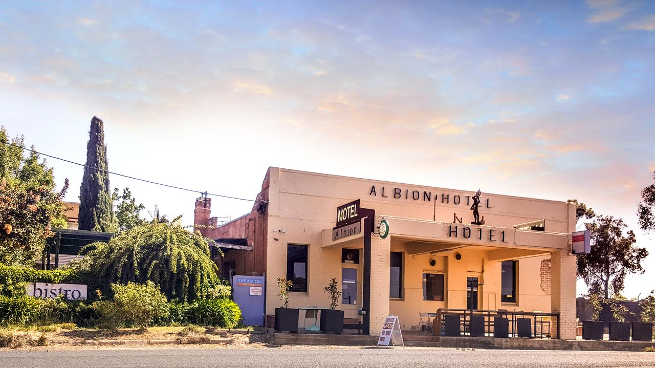 Albion Hotel and Motel Castlemaine - Tweed Heads Accommodation