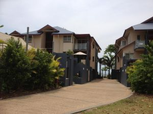 Beach House Apartment 1 - Tweed Heads Accommodation